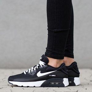 🆕Womens/Girls Nike Air Max 90 (Size 7y/8.5w)😎